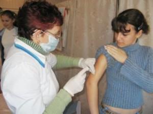 Около 400 тысяч приморцев привились от гриппа