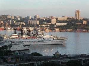 Жителей Владивостока агитируют прививаться против гриппа