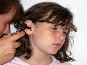 Грипп может вызвать бактериальное воспаление в ушах