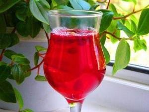 Чтобы не простудится накануне праздников, пейте витаминный морс