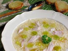Домашний суп с курицей позволяет побороть простудную инфекцию