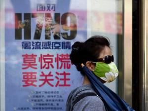 Онищенко советует не ездить в Китай, где регистрируется птичий грипп