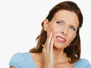 Боремся с зубной болью народными средствами