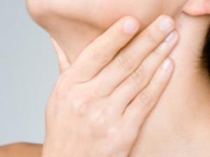 Борьба против сильной боли в горле