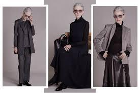 Выбор женской одежды в 60 лет