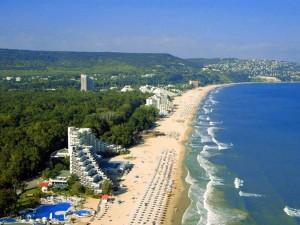 Врачи предупреждают о «летнем гриппе» на морских курортах Болгарии
