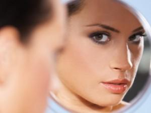 Аллергия на косметику: почему она возникает и что делать?
