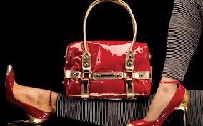 Сумочки и обувь подчеркнет модные тенденции
