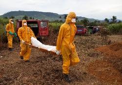 В Сьерра-Леоне вирусной лихорадкой Эбола заразился кубинский врач