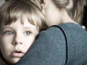 Как помочь ребенку пережить душевную травму?