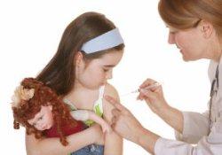 Вакцинация детей от кори, краснухи и свинки и аутизм: новые данные
