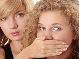 Простуда на губах: откуда она берется и как с ней бороться