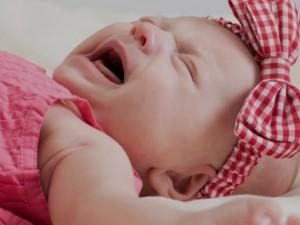 Почему дети плачут перед сном?