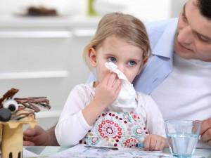 10 причин не гнать ребенка в школу при простуде