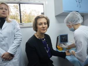 Попова и Онищенко прошли тестирование на ВИЧ