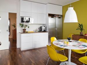Как зрительно увеличить пространство маленькой кухни?