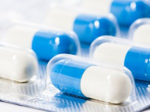 Allergan и AstraZeneca совместно проведут КИ перспективного антибиотика