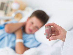 От антибиотиков болят животики?