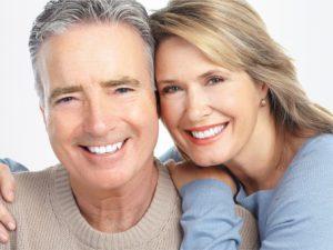Реставрация зубов у пожилых людей