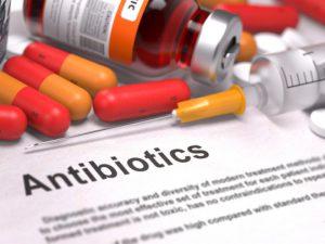 Антибиотики в ущерб горлу