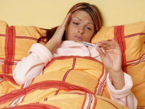 Друг от недуга: почему одинокие люди хуже переносят симптомы простуды