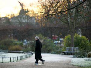 Британские ученые рассказали, когда прогулки на воздухе не приносят пользы