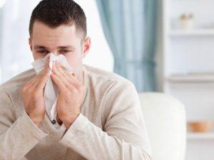 Сезон гриппа и ОРВИ закрыл школы в Петербурге и Сыктывкаре