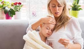 Как и чем лечить ребенка при первых признаках простуды