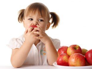 Ученые признали мифом утверждение о пользе яблок