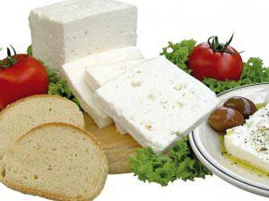 Брынза: чем полезен и кому противопоказан рассольный сыр