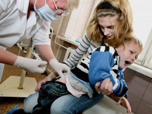 Как защитить малышей от менингита