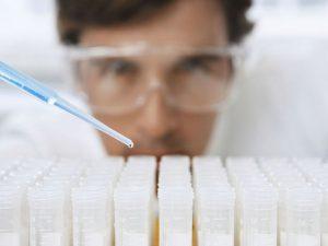 Вирус и магнитные частицы помогут «починить» мутации, вызывающие генетические заболевания