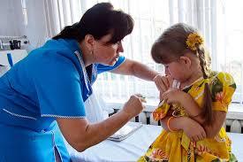 Взрослые должны опасаться «детских болезней», говорят инфекционисты