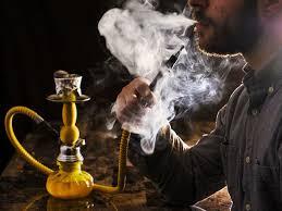 Курение кальяна может быть опаснее курения сигарет