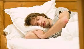 Ученые развеяли мифы о сне: храпеть опасно, пить вредно, недосыпание губит наверняка