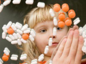 Когда, зачем и как повышать малышу иммунитет?
