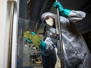 Как долго выживает коронавирус на стекле, ткани, дереве, купюрах и медицинских масках