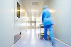 Перепрофилирование и перепланировка больниц: как стационары справляются с главными вызовами COVID-19