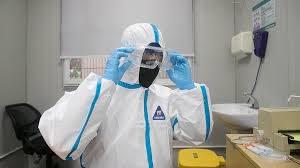 Ученые установили, как долго больные коронавирусом остаются заразными