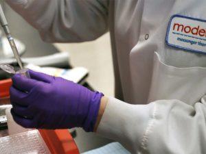 Опубликованы предварительные результаты испытаний первой введенной людям вакцины против COVID-19