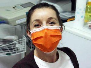 Ученые назвали маски очень эффективным средством профилактики COVID-19