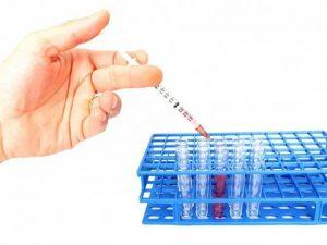 Прививка от гриппа не защитит от COVID-19, но снизит риск тяжелого течения — врачи