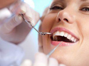 ВОЗ: необходимо отложить посещение стоматолога из-за риска распространения коронавируса