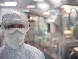 Риск заболеть у медиков, работающих с COVID-19, почти в 12 раз выше, чем у обычных граждан