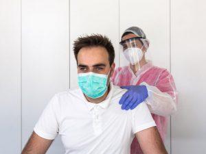 FDA расширила возможности использования ремдесивира в терапии COVID-19