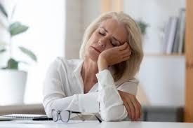Недостаточный или избыточный сон повышает риск приступов астмы у взрослых